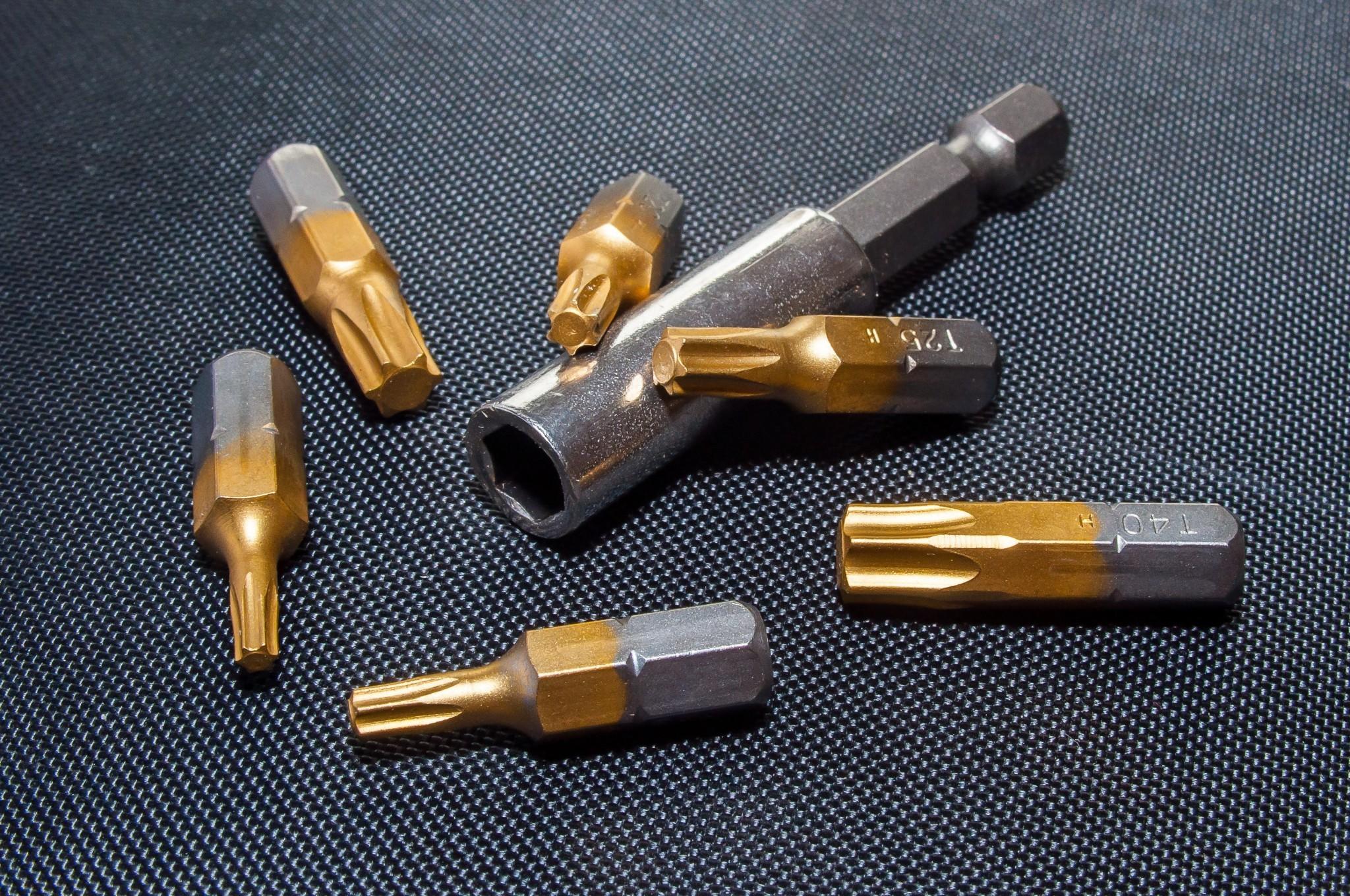 chrome-close-up-equipment-60049
